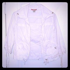 White 3/4 sleeve jaxket